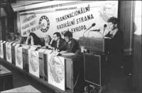 Bonino parla durante un seminario. Larga, con banner, seduti sul palco Dupuis, Pietrosanti, Stanzani.  (BN) nelle altre foto: Khramov, Aglietta, Stock