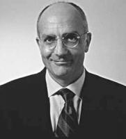 ritratto di Gabriele Albertini (FI) sindaco di Milano dal 1997 al 2001. (BN)