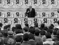 Comizio di Pannella a Bologna per la campagna referendaria 1993.