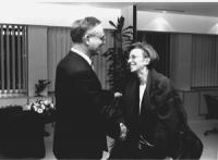 Emma Bonino con Klaus Hansch, presidente PE