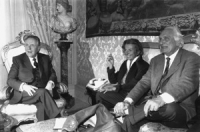 Incontro tra Pannella, Bonino e Carlo Azelio Ciampi, presidente del Consiglio. Con lui i Club Pannella proseguiranno quella politica di appoggio a rig