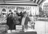 Roma. Piazza Navona. Restituzione ai cittadini del Finanziamento Publico ai partiti assegnato, con la legge del 4 per mille alla Lista Pannella. Un ca