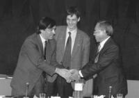 Sede UE. Da sinistra: Leoluca Orlando (sindaco di palermo), Olivier Dupuis (segretario PR), Tempa Tsering (direttore del Dipartimento Informazione e R