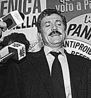 ritratto di Massimo D'Alema, segretario PDS prima, DS poi.
