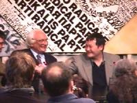 Visita del dissidente cinese Wei Jingsheng in Italia ospite del pr.  (Cina) pannella e Wei si stringono la mano