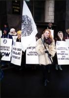 """Manifestazione di radicali russi insieme all'""""ARA"""" davanti al parlamento russo. Cartelli in cirillico, in inglese: """"Conscientious objection bill N"