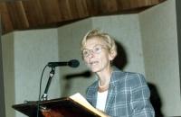 """Emma Bonino parla alla """"Conferenza in America Latina per la creazione di un tribunale penale internazionale entro il 1998"""". Crimini di guerra, crimini"""