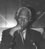 "Ritratto di Abdou Diouf (presidente Senegal). ""For the establishment of the International Criminal Court in 1998"". Conferenza per l'istituzione della"