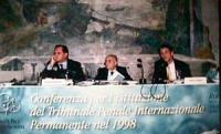 """""""Conferenza per l'istituzione del Tribunale Penale Internazionale Permanente nel 1998"""" Roma, Palazzo Giustiniani, sala Zuccari."""