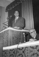 1° congresso PR. [dal 27 feb al 1 mar 1959] Pannella parla dalla tribuna (BN) Ottima, importante