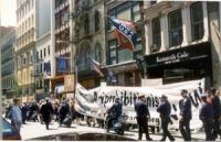 """Il PR partecipa alla """"Marijana March"""" di New York per la depenalizzazione della marijuana negli USA. Si tratta di un obiettivo inferiore rispetto alla"""