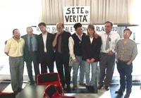 """Sciopero della sete: 11° ora. Foto di gruppo di alcuni digiunatori. """"Sciopero della sete per la libertà e la legalità dell'informazione e per la vita"""