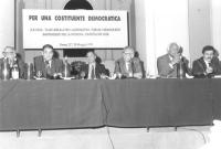 """""""Per una costituente democratica"""": tavola rotonda sulle riforme. Biondi (PLI), Martinazzoli (DC), Marramao, Pirani, Pannella, D'Alema (PCI). (BN) bann"""