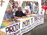 """Largo Chigi. Conferenza stampa di Marco Pannella su """"Radio Radicale e libertà di informazione"""". Con Pannella anche Vigevano e Stanzani, sotto uno stri"""