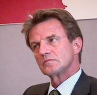 ritratto di Bernard KOUCHNER (ministro della Salute, Francia)