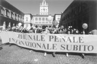 """Manifestazione con grande strisione: """"tribunale penale internazionale subito"""", in occasione del seminario di preparazione della conferenza per l'istit"""