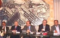 Sede PR. Conferenza stampa. Da sinistra: Morton Halperin (vice presidente della Twentieth Century Fund - The Century Foundation), Benjemin Ferencz (ex
