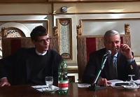 "Olivier Dupuis e Luigi Caligaris, deputati europei, al tavolo della presidenza del Convegno ""Leva la leva""."
