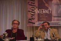 Barbara Alberti, scrittrice, seduta accanto a Roberto Cicciomessere, relatrice al Convegno Pedofilia e Internet, promosso dal Partito Radicale e da Ra