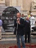 Manifestazione-fiaccolata, a sostegno del Tribunale Internazionale, in occasione della conferenza diplomatica alla Fao. Paolo Pietrosanti, al microfon