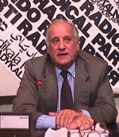 Ritratto di Alfredo Biondi, avvocato, parlamentare di Forza Italia, in occasione di un incontro pubblico per il processo ai 22 militanti imputati per