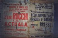 I muri della sede del Partito Radicale a Cremona, coperti dai manifesti pubblicitari sulle iniziative del partito. (Proprietario della foto: Sergio Ra