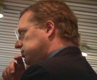 Ritratto di David Scheffer, capo della delegazione degli Stati Uniti alla Conferenza Diplomatica per l'istituzione del Tribunale Penale Internazionale