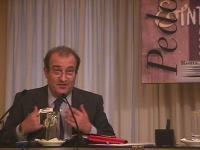 Ritratto di Piero Milio, senatore della Lista Pannella, relatore al convegno Pedofilia e Internet, promosso dal Partito Radicale e da Radio Radicale.