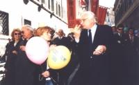 Emma Bonino e Marco Pannella nel corso della marcia delle palme, per la sospensione universale delle esecuzioni capitali e per l'istituzione del Tribu