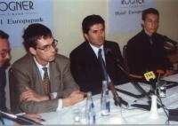Conferenza stampa. Al tavolo, da sinistra a destra: Artur Nura, esponente del Partito Radicale a Tirana; Olivier Dupuis, eurodeputato, segretario del