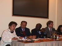 """Conferenza stampa al palazzo della Fao, delle Organizzazioni Non Governative. Si riconoscono: secondo da sinistra: Marino Busdachin (""""Non c'è pace sen"""