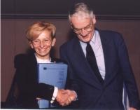 Emma Bonino con Adriaan Bos, presidente del Comitato Preparatorio per il Tribunale Penale Internazionale.