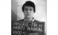 Ritratto di Michel Hancisse con al collo un cartello che richiede l'iscrizione al Pr. (Provini + negativi)