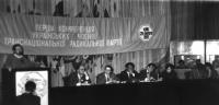 Terza conferenza del Partito Radicale Transnazionale a Kiev. Si riconoscono: Marino Busdachin (terzo seduto da sinistra), Nikolaj Khramov (quarto). Al