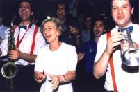Emma Bonino, all'hotel Ergife, fra alcuni orchestrali, festeggia il risultato elettorale (8,5%) della lista Bonino alle elezioni europee.