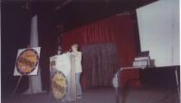 Inaugurazione al teatro Flaiano della campagna elettorale della lista Bonino. La foto, non molto buona, mostra Rita Bernardini al microfono sul palcos