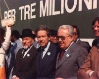 Marcia di Pasqua '83, per tre milioni di vivi subito (contro lo sterminio per fame). Nella foto: Elio Toaff (rabbino capo di Roma), Flaminio Piccoli (