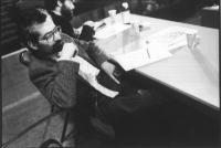 Ritratto di Mario Signorino, già senatore radicale, e segretario dell'associazione Amici della Terra.