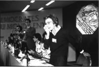 Emma Bonino, commossa, è acclamata segretario del Partito Radicale (nel 36° Congresso, II sessione).