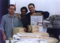 Sergio Rovasio, Maurizio Turco,          Gabriele Sorba nel salone dell'hotel Ergife nel corso delle operazioni di pulitura delle firme. Altre su cart