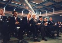 32° congresso PR I sessione. Visione della platea: Vizzini (PSDI), Nicolazzi (PSDI), Craxi (PSI), Martelli (PSI), Manca (PSI), Biondi (PLI)