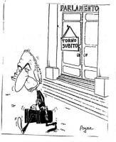 """VIGNETTA Marco Pannella, con due valigie in mano, lascia il Parlamento, sulla cui porta ha affisso il cartello: """"Torno subito"""". Vignetta di Angese, us"""