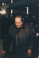 32° congresso PR I sessione. Domenico Modugno, primo piano, mentre cammina con il bastone