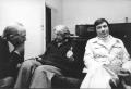 Luigi De Marchi parla con Adele Faccio insieme al dott. Karman (inventore dell'omonimo metodo abortista) (BN) ottima. Importante