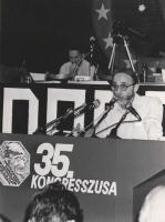 35° congresso PR. Giorgio Inzaghi parla alla tribuna (BN)