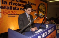 Assemblea dei Radicali all'hotel Ergife di Roma, per la presentazione alle regionali delle liste radicali Emma Bonino.  Giuseppe Micheletta alla tribu