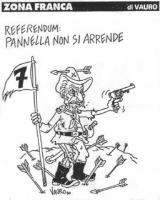 """VIGNETTA Titolo: """"Referendum: Pannella non si arrende"""". Marco Pannella, in uno scenario e in un costume da far west, con una mano stringe una pistola,"""