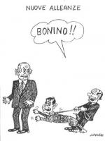 """VIGNETTA Titolo: """"Nuove alleanze"""". Berlusconi tiene al guinzaglio Buttiglione - che abbaia contro Pannella - intimandogli: """"Bonino!"""". La vignetta di G"""