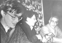 Khramov e Busdachin presiedono un meeting sul Partito Radicale Transnazionale con deputati e giornalisti azeri. (BN).  [fondo busda]
