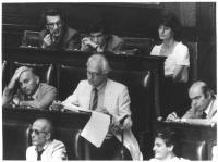 Sezione del Parlamento, con Toni Negri, Giovanni Negri, Adelaide Aglietta, Marco Pannella, Gianfranco Spadaccia. Bianco e nero.